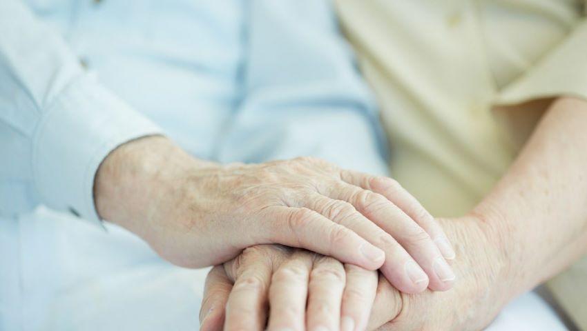 Foto: În Moldova, în cazul decesului soțului pensionar, soția ar putea primi pensia acestuia