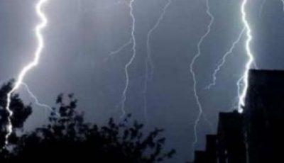 Ploi cu grindină și descărcări electrice. Vezi când vine vijelia!