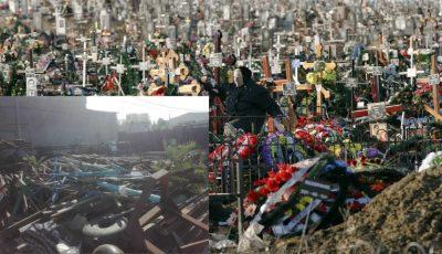 Cruci furate de pe morminte, găsite la depozitul de fier de lângă cimitirul Doina. Revoltător!
