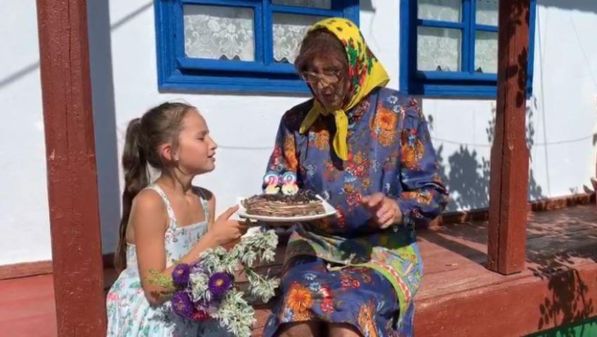 Foto: Video. Emilian Crețu îndeamnă mamele să vină acasă!