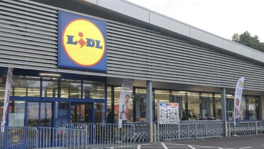 Foto: Magazinul Lidl scoate complet de la vânzare produsele de plastic de unică folosinţă!