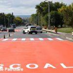 """Foto: În localitatea Peresecina a fost aplicat un nou marcaj rutier, o trecere pentru pietoni de tip """"Covor Frânare"""""""
