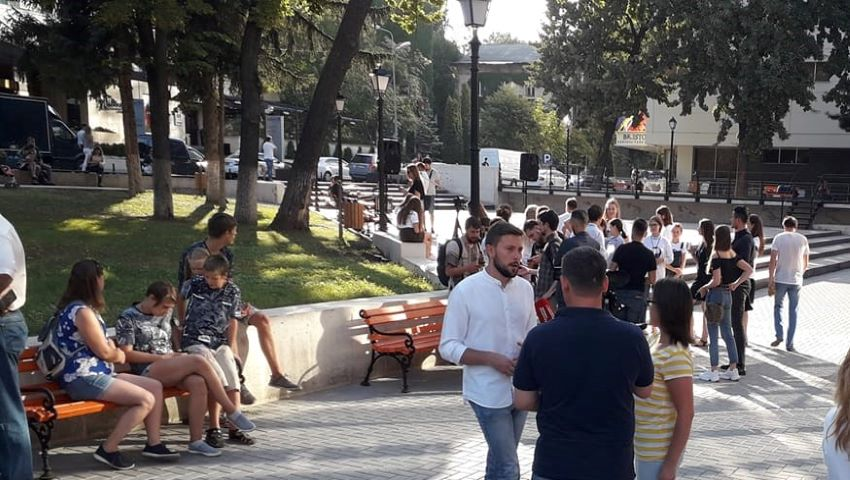 Foto: În Capitală a fost inaugurat scuarul Cehov, un nou loc de recreere pentru chișinăuieni! Foto