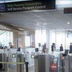"""Foto: Aeroportul din Dublin a fost împânzit cu mesaje în limba română: """"Dacă ești traficată pentru sex, te rog…"""""""