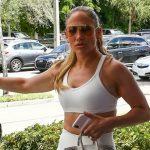 Foto: Jennifer Lopez a întors toate privirile, la sala de sport. Cum arată la 50 de ani!