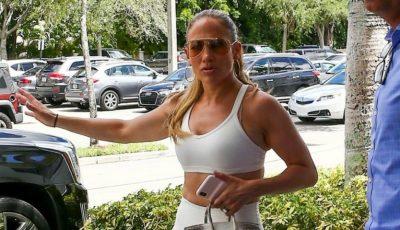 Jennifer Lopez a întors toate privirile, la sala de sport. Cum arată la 50 de ani!