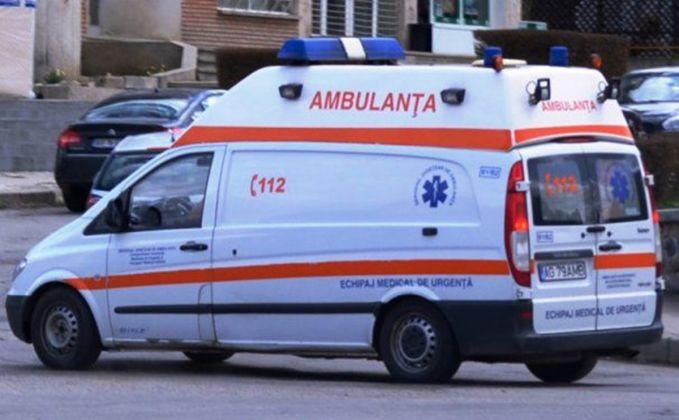 Foto: Un minor a urcat la volan și a tamponat cu mașina o femeie de 66 de ani