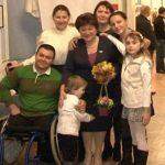 Foto: Deja de 15 ani, o moldoveancă stabilită în Italia îi ajută pe copiii din țara noastră să obțină proteze gratuite