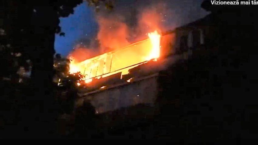Foto: Incendiu. Flăcări uriașe în sectorul Râșcani al Capitalei