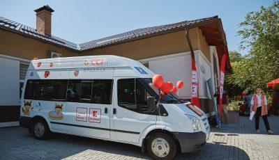 Video. Emoții și bucurie! Copiii cu nevoi speciale, în prima lor excursie la ZOO cu microbuzul propriu
