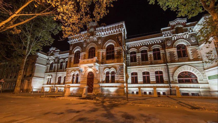 Foto: Expoziție inedită a ceramistului Nicolae Coțofan, la Muzeul Naţional de Artă al Moldovei!
