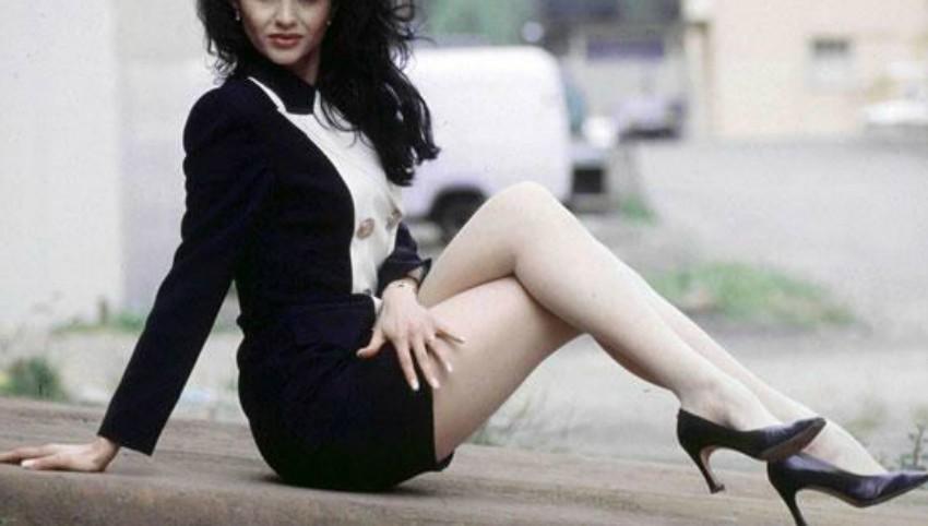 Foto: O celebră vedetă din România va deveni mamă la 50 de ani