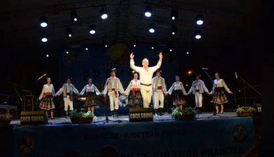 """Un primar din Moldova a dansat cu foc la Festivalul """"Prahova iubește Basarabia"""" și a fost premiat!"""