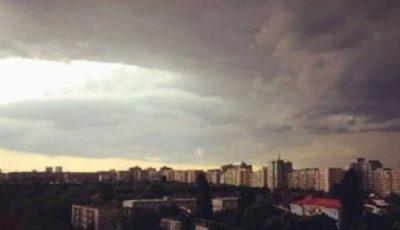 Alertă de furtună și ploi cu descărcări electrice!