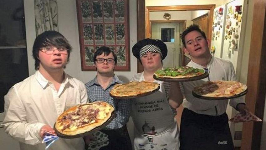 Foto: Lecție de viață. Patru tineri cu sindrom Down și-au deschis propria afacere