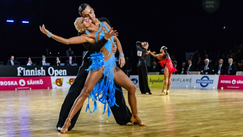 Foto: Dansatorii moldoveni Gabriele Goffredo și Anna Matus au devenit, pentru a cincea oară, campioni mondiali la dansuri latino-americane!