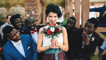 O rusoaică căsătorită în Africa îi lasă pe internauți fără cuvinte! Iată o altă viziune despre viața pe acest continent