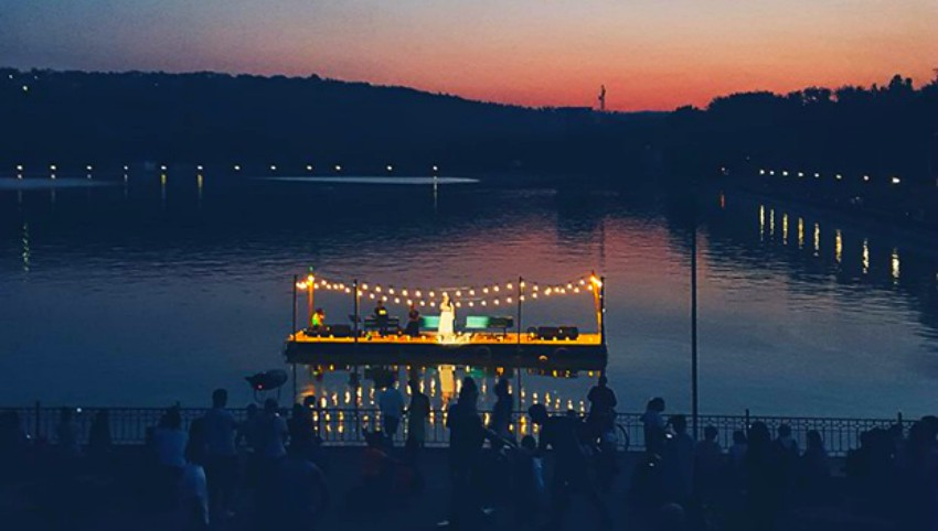 """Foto: Imagini de la Concertul pe apă, susținut în parcul ,,Valea Morilor"""""""