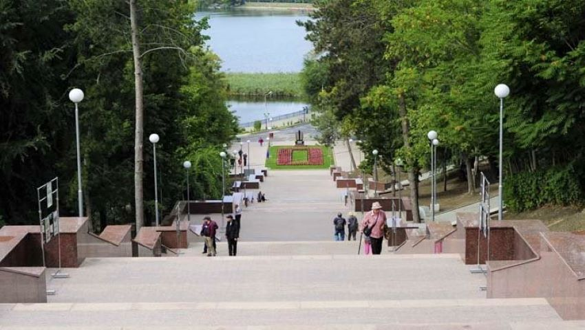 """Foto: În Chișinău a fost inaugurată Scara de granit din Parcul """"Valea Morilor"""". Foto"""