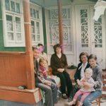 """Foto: Emilian Crețu, despre casa din copilăria sa: ,,Sărăcie lipită cu scoci, așa arăta casa mea când eram eu mic…"""""""