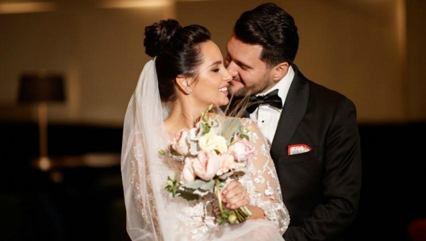 Imagini emoționante! Interpreta Cătălina Carauș și soțul ei și-au unit destinele