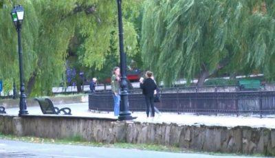 Foto. Primul veceu cu apă caldă, lavoar și oglinzi a apărut într-un parc din capitală