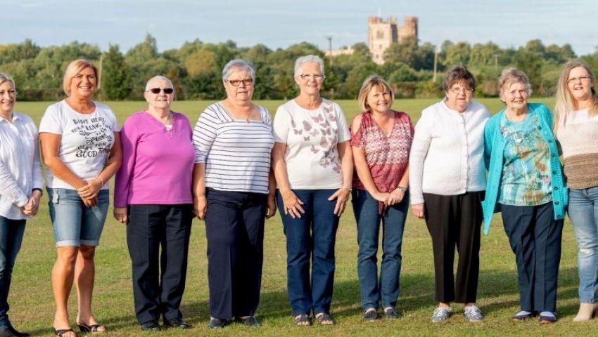 Foto: Zece femei din aceeași familie au învins cancerul de sân, după o luptă de 15 ani