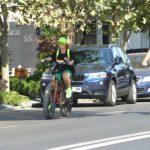 Foto: Delia a schimbat bolidul pe o bicicletă profesională