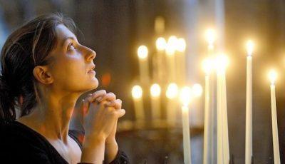 """Preotul Maxim Melinti: ,,Necurăţia trupească"""" a femeii nu este şi nici nu poate fi un impediment de a intra în biserică"""