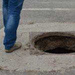 Foto: În Chișinău, se fură capacele de la gurile de canalizare