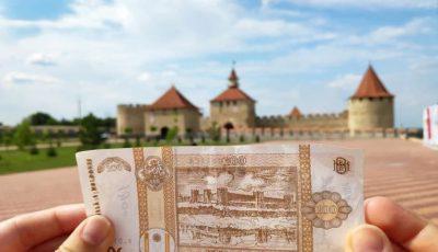 Ingenios! Doi tineri au fotografiat locațiile care apar pe bancnotele moldovenești