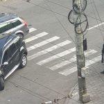Foto: O mașină a intrat în pietoni, în centrul capitalei. O femeie a fost grav rănită