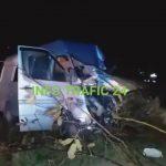 Foto: Un microbuz cu moldoveni, accidentat grav în România. O persoană a murit