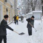 Foto: Autoritățile nu vor mai folosi nisip la deszăpezirea străzilor și trotuarelor