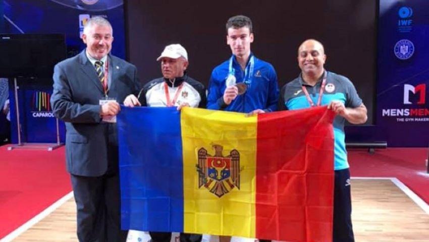 Tânărul halterofil Marin Robu a devenit vicecampion european printre juniori