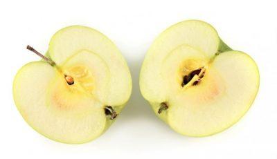 Ai obiceiul să mânânci mărul cu tot cu semințe? Trebuie să știi acest lucru!