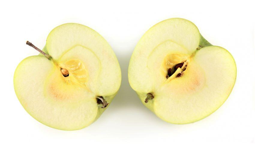 Foto: Ai obiceiul să mânânci mărul cu tot cu semințe? Trebuie să știi acest lucru!