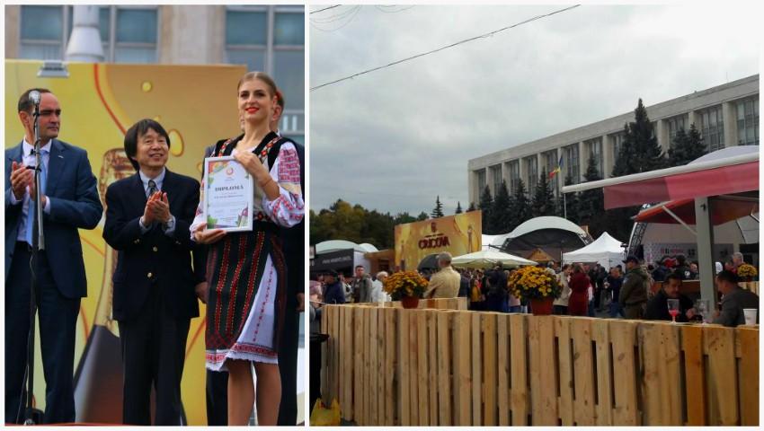 Foto: Moldovenii sărbătoresc Ziua Națională a Vinului! Poze din Piața Marii Adunări Naționale