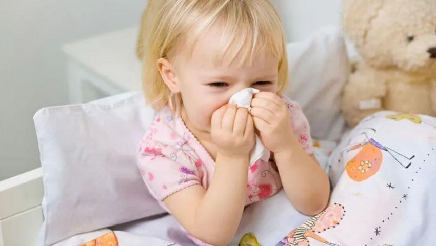 Foto: Au început virozele: peste 2.000 de cazuri noi în doar o săptămână, în Capitală
