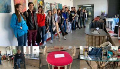 Ingenios! Studenții de la arhitectură au realizat piese de mobilier din materiale reciclabile