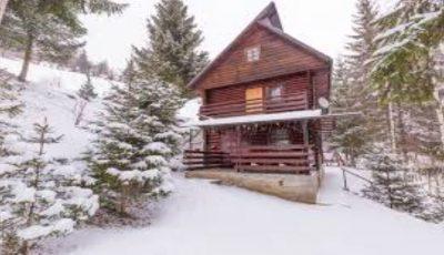 A venit iarna. Aproape de Moldova ninge ca-n povești