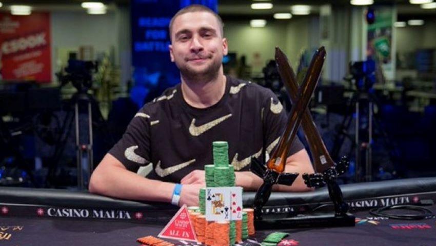 Foto: Un moldovean a câștigat 247.000 de euro la turneul de poker din Malta