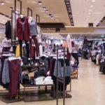 Foto: Italia: un moldovean a îmbrăcat haine de 400 de euro într-un magazin și s-a făcut nevăzut