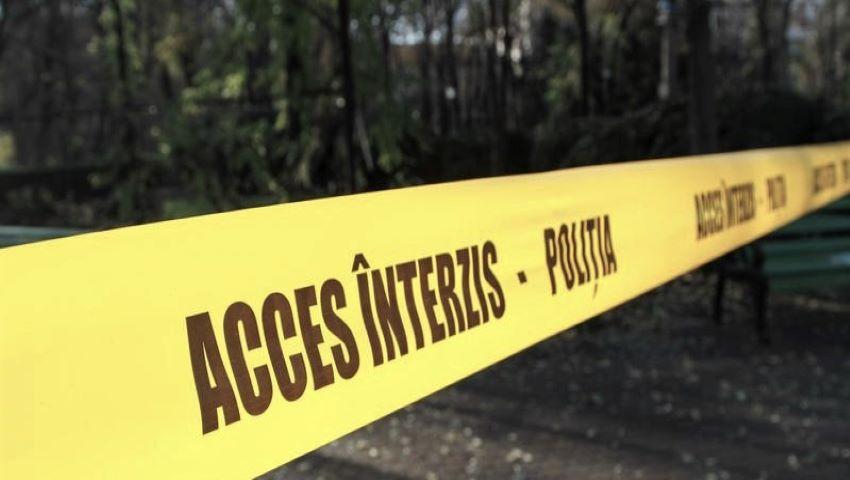 Foto: Hâncești: Un bărbat împușcat în cap a fost găsit în portbagajul unui microbuz abandonat pe un câmp