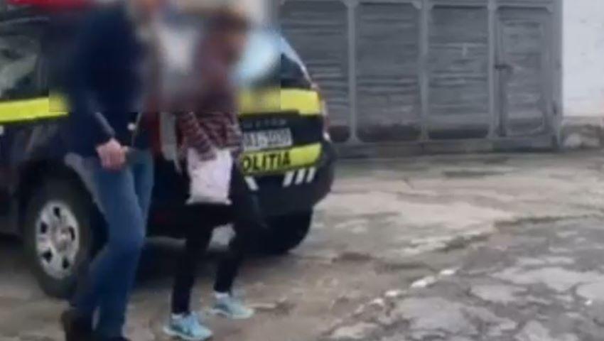 Foto: Tânăra care a furat 500.000 de lei de la un schimb valutar, a fost reținută