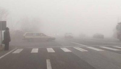 Atenție, e ceață! INP: anunț pentru șoferi și pietoni
