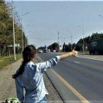 Foto: S-a pornit la Camenca, dar a ajuns pe marginea drumului, violată de șoferul care a luat-o cu mașina de ocazie