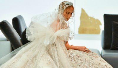 Jennifer Lopez, în rochie de mireasă. Arată spectaculos!