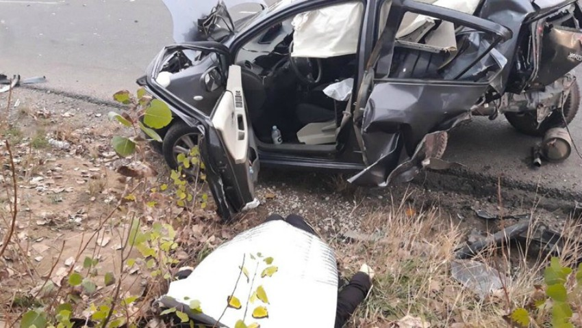 Foto: Accident fatal la Strășeni. Un Opel a lovit din spate o Toyota