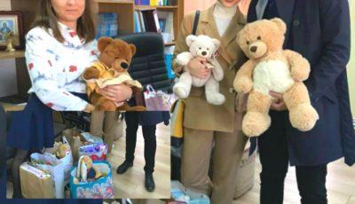 Doi miri din Moldova au adunat la nuntă jucării în loc de flori, pe care le vor dona copiilor care au nevoie de ele